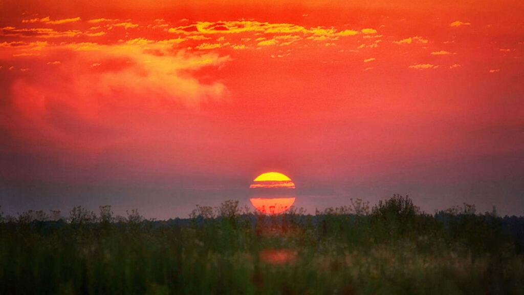 Заря на закате Солнца