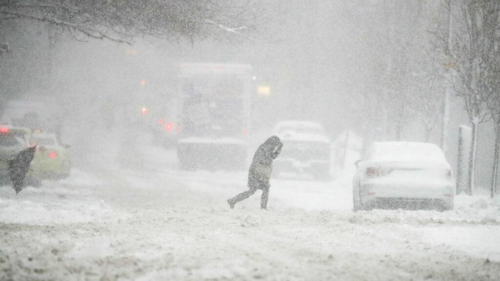Опасность снежного шторма для человека
