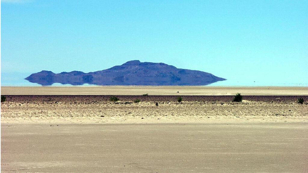 Оптический обман в пустыне