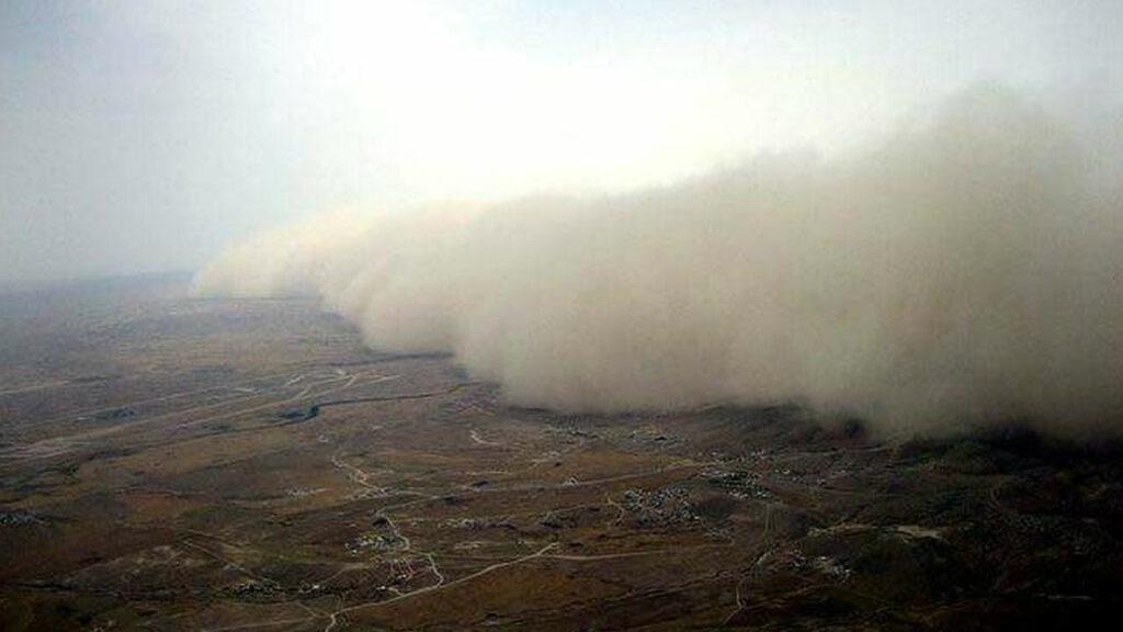 Пыльная буря над городом