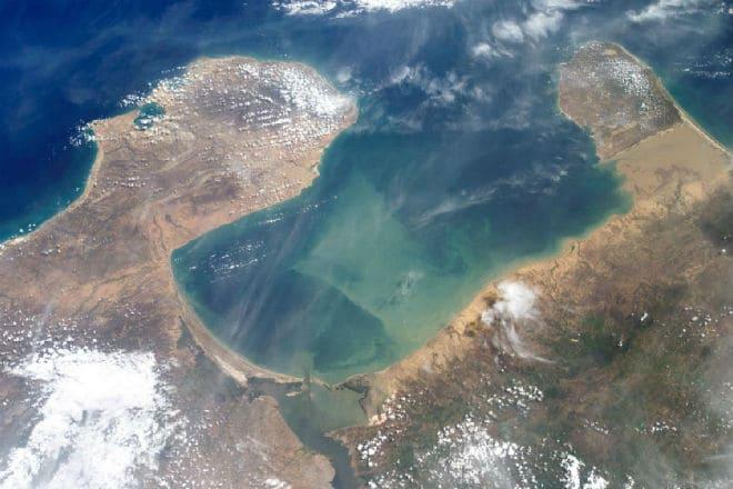 Вид на озеро Маракайбо из космоса