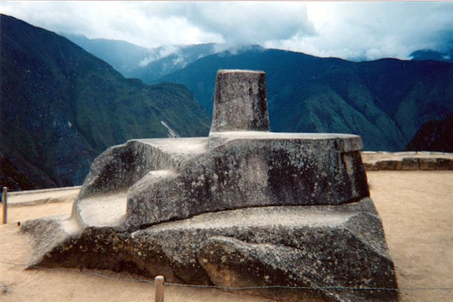 Священный камень Интиуатана в Мачу-Пикчу
