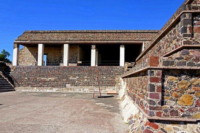 Дворец Кецальпапалотля в Теотиуакане