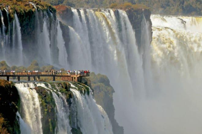 Смотровая площадка у водопада Игуасу