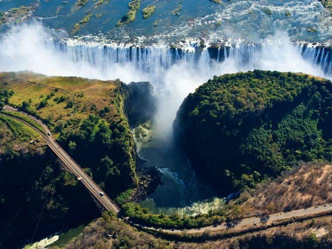 Самый большой в мире водопад - Виктория
