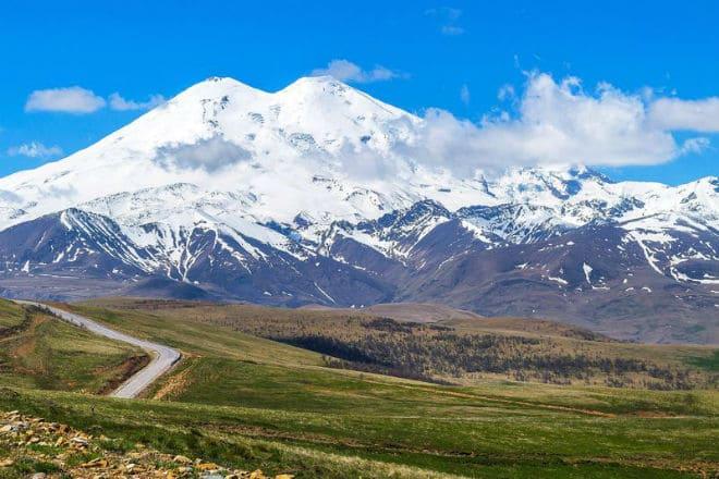 Дорога к вулкану Эльбрус