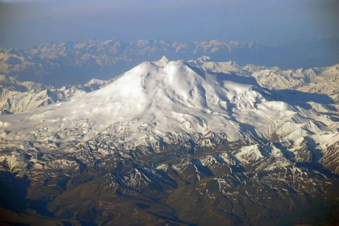 Вулкан Эльбрус с высоты