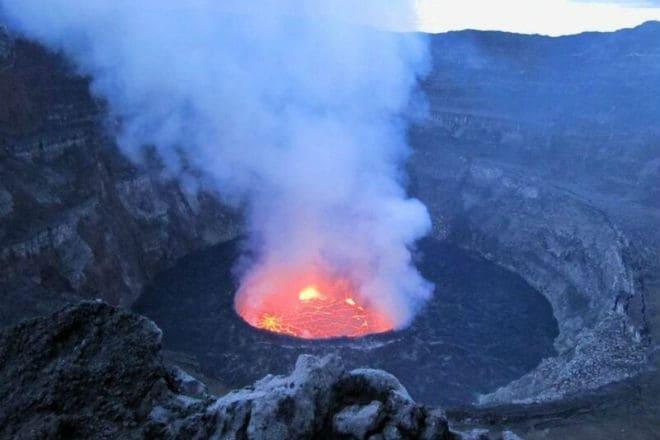 Лавовое озеро вулкана Эребус