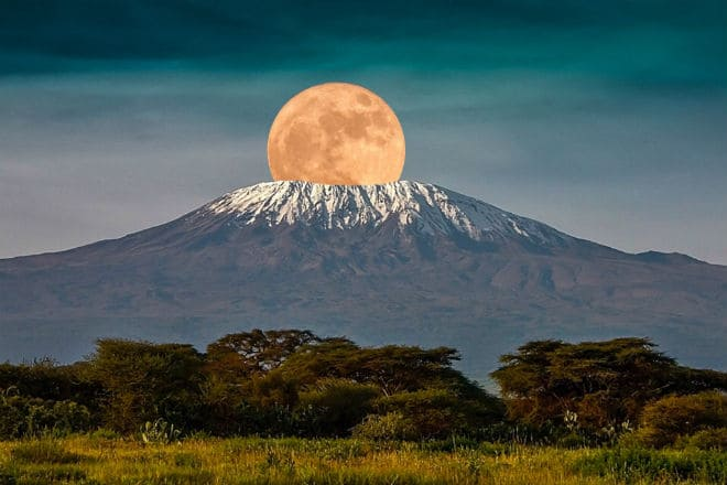 Вулкан Килиманджаро в Танзании