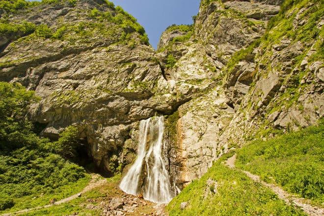 Гагрский хребет и Гегский водопад