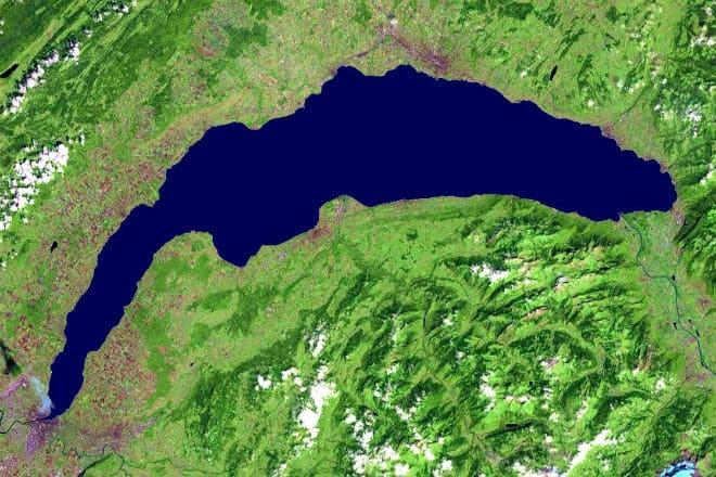Вид на озеро Байкал с космического спутника