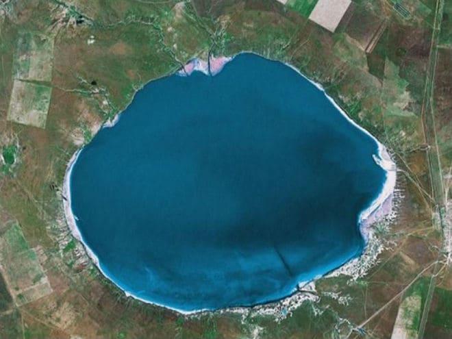 Озеро Эльтон со спутника