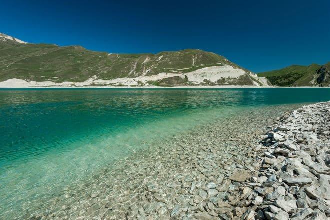 Берег озера Кезеной-Ам