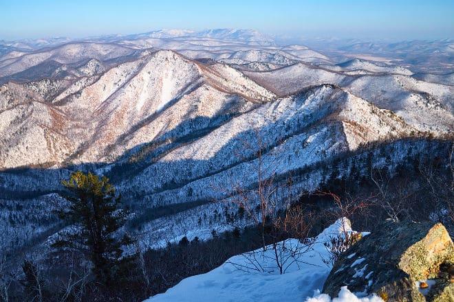 Горы Сихотэ-Алинь под снегом