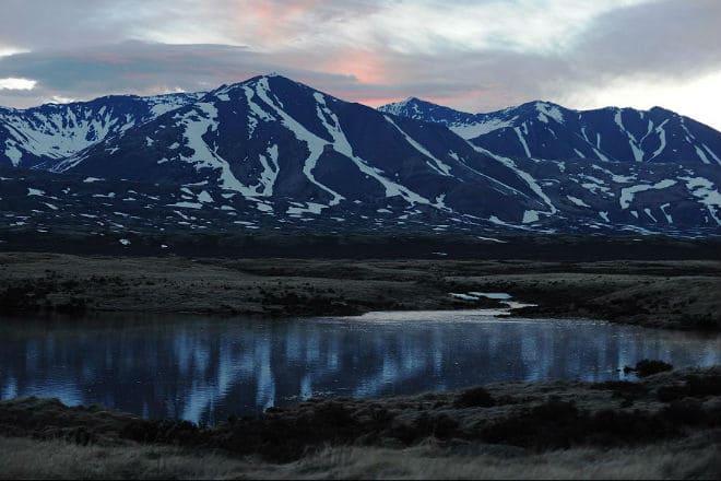 Горы Убсунурской котловины и озеро Убсу-Нур