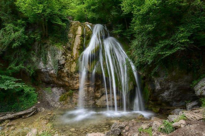 Необыкновенный водопад Джур-Джур на Крымском полуострове