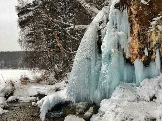 Замерзший водопад Плакун