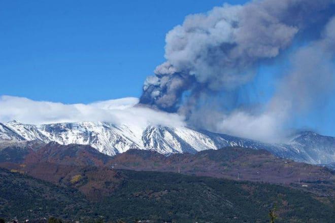Извержение вулкана Этна в 2018 году
